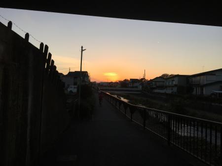 夕陽をつかまえました
