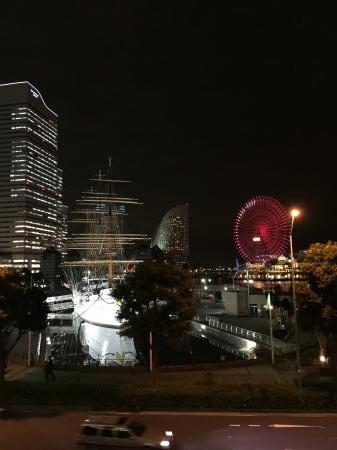 やっぱり夜景は桜木町でナイト