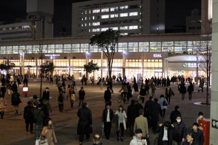 広々した駅前広場