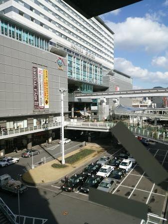 近くのビルから見た小倉駅