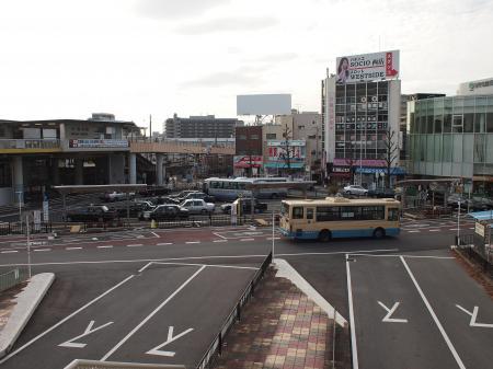 JR茨木駅の西側