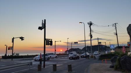 由比ガ浜の夕暮れ