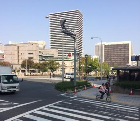日本銀行前です