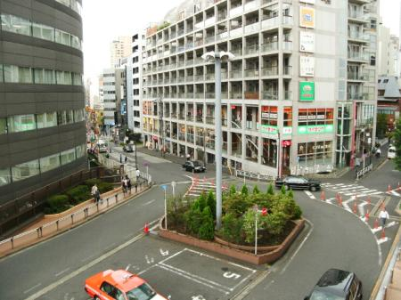 恵比寿駅前(東口)